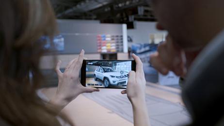 Jeep Compass Visualiser: i clienti scelgono l'auto con la VR