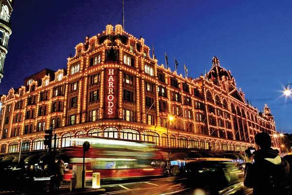 Harrods reinventa il mercato retail del lusso