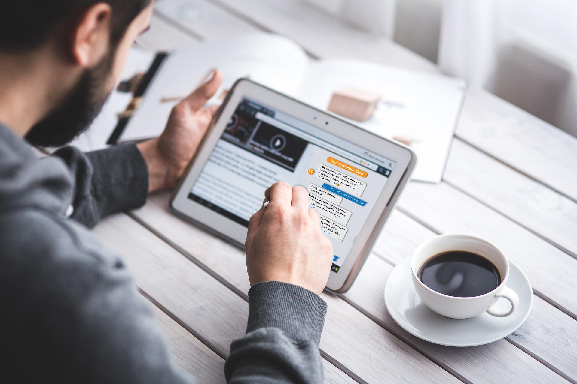 Come gli assistenti virtuali possono agevolare il lavoro degli HR