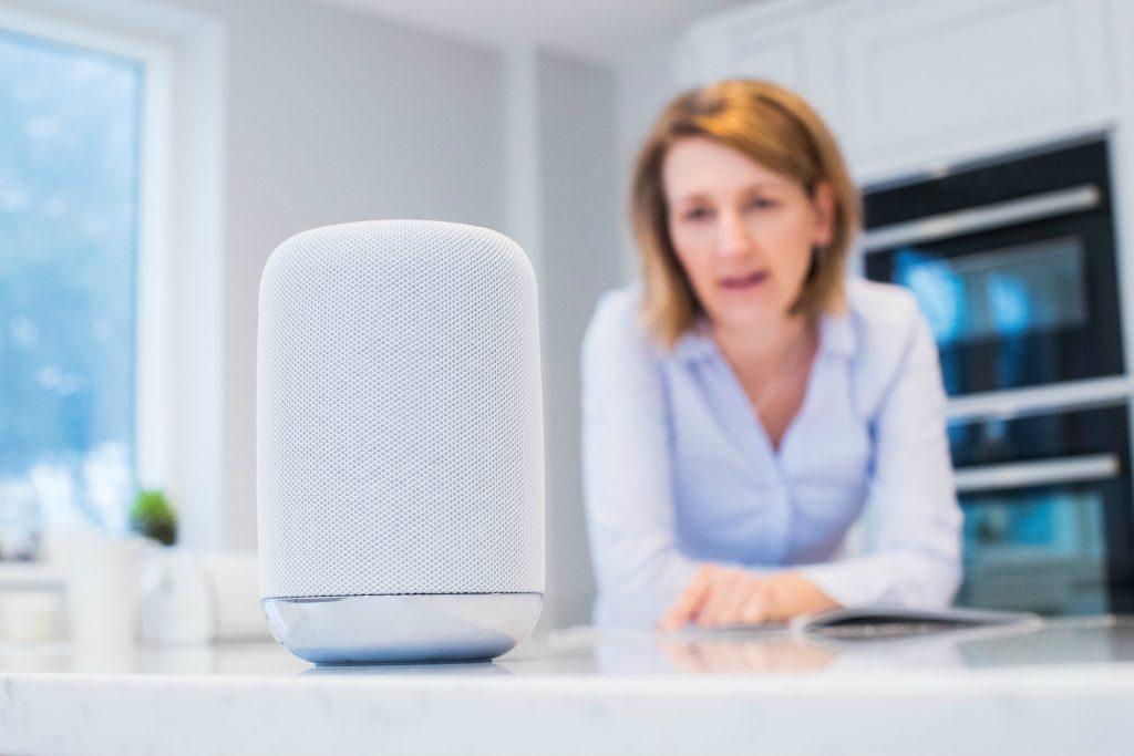 Celi e Kkien indagano il mercato degli smart speaker